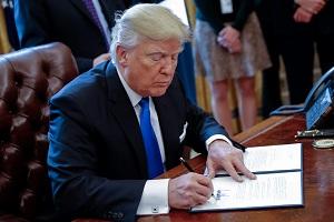 trump_signing